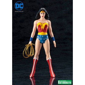 DC UNIVERSE WONDER WOMAN SUPER POWERS ARTFX+ STATUE BY KOTOBUKIYA