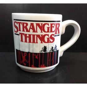 Stranger Things (blanca chica)